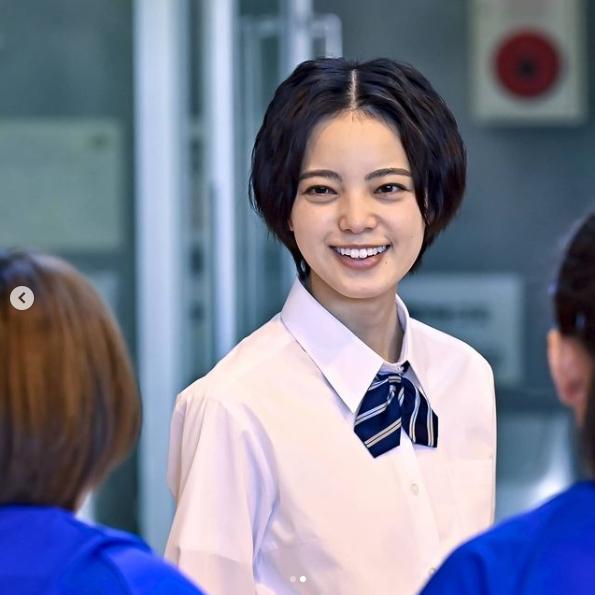 平手友梨奈の笑顔の写真