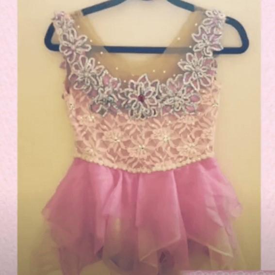 ピンクのドレスの写真